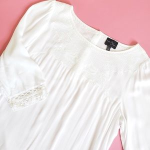 Market & Spruce White Alejandro Embroidered Top